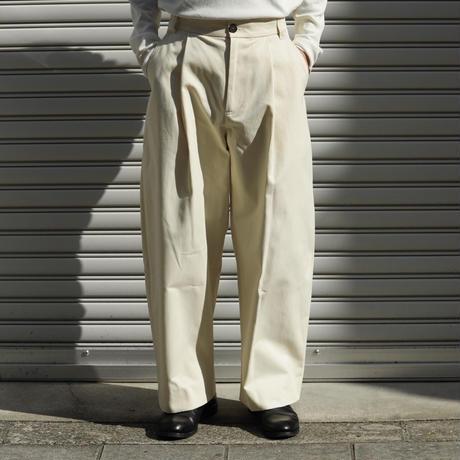 STUDIO NICHOLSON スタジオニコルソン SORTE PEACHED COTTON TWILL VOLUME PLEAT PANTS CREAM【SNM-351】(N)