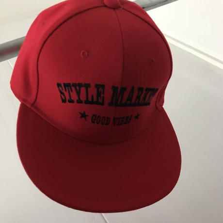 RED CAP/BLACK