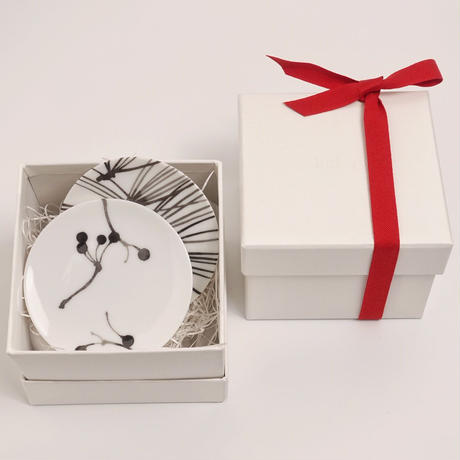 hakuji 白磁 豆皿 -トクサ White Porcelain mamezara-Small Dish Plate/Horse tail
