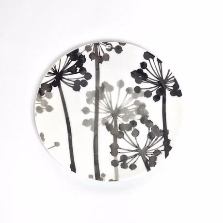 hakuji 白磁中皿 -八つ手 |White Porcelain plate M-Japanese Aralia