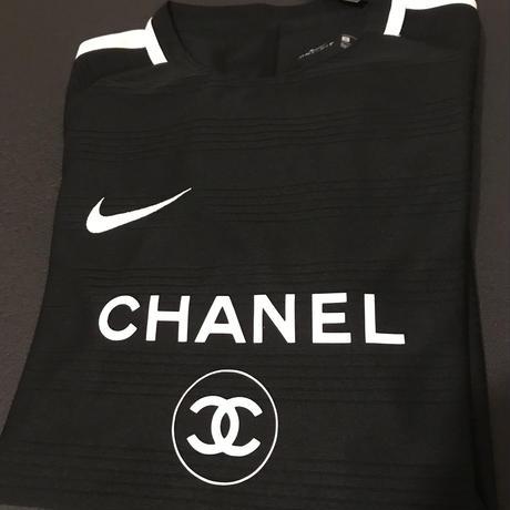 CHANEL  NIKE  Tシャツ