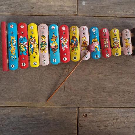 おもちゃの鉄琴