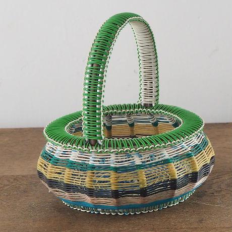 グリーンのワイヤーバスケット