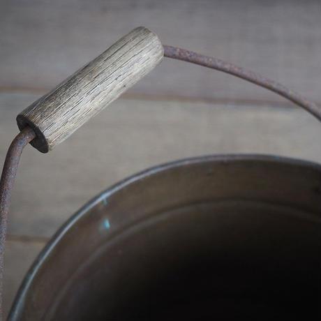 真鍮のバケツ