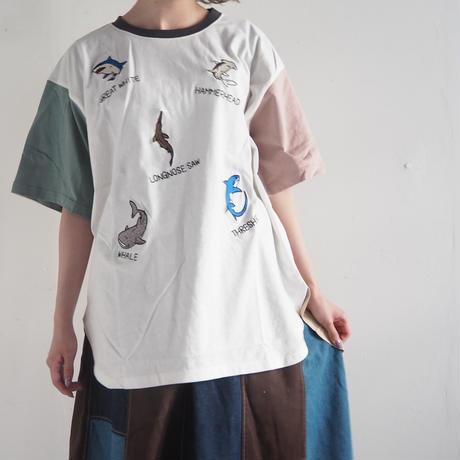 サメランダム刺繍BIGTシャツ(41220027)