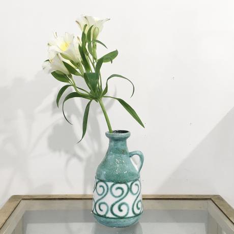 エメラルドな花器