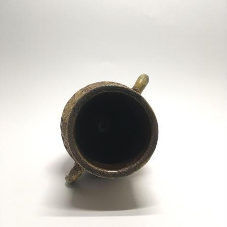 古めかしい茶色花器
