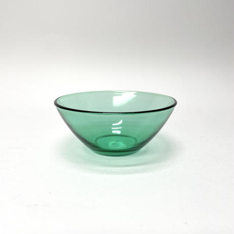 グリーンのガラス鉢