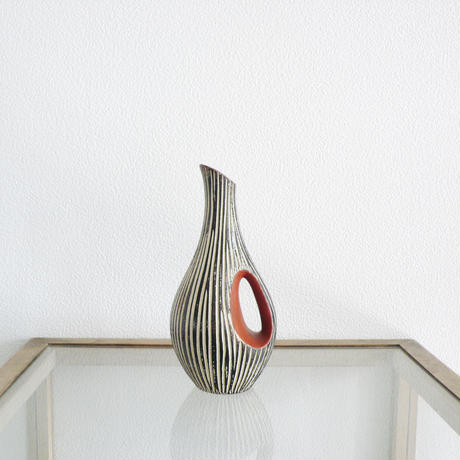 carving  ceramic vase