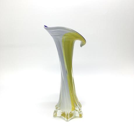 目の覚める花瓶