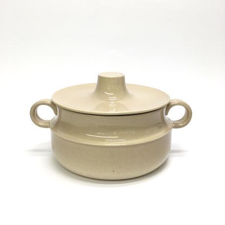 ベージュのお鍋