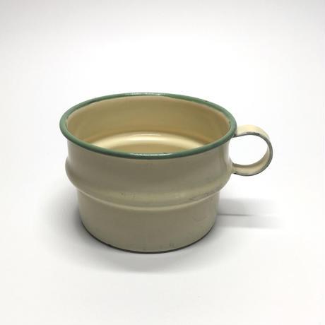 クリームイエローのカップ
