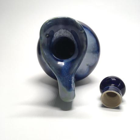 水彩画風の青い瓶