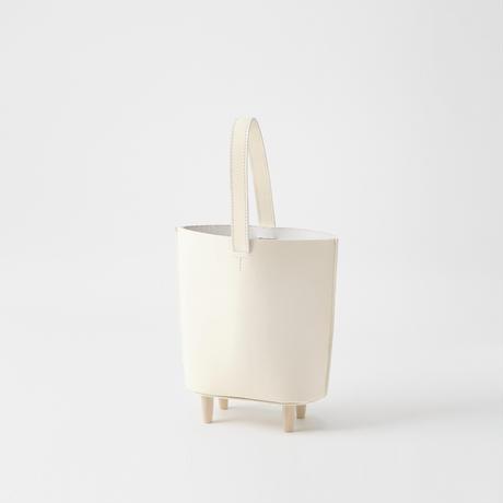 stool tote [white / black]
