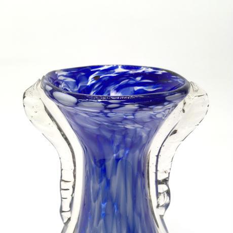 羽の生えた花瓶