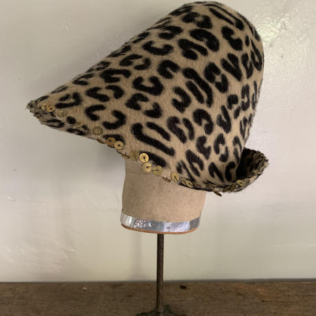 チェコメドューサ豹×メタルスパンコール