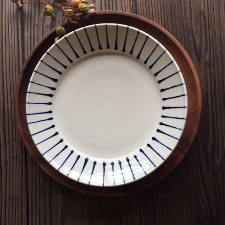 やちむん リム皿(8寸)/とくさ/宮城正幸