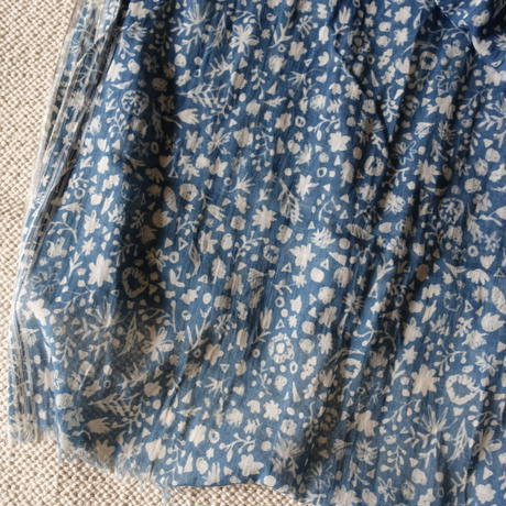 Indigo Discharge Printing Stole (Small Flowers)