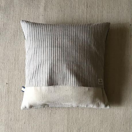 Gara-bou × Khadi Cushion Cover (Olive Border)