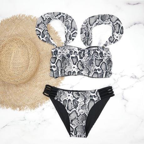 即納 Jointed frill reversible bandeau bikini Black python