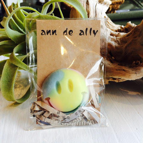 Ann  de  Ally  happy smile soap