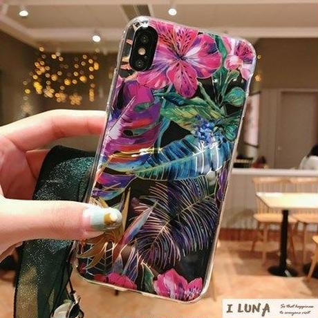 ILUNA №29 Leaf iPhone Case
