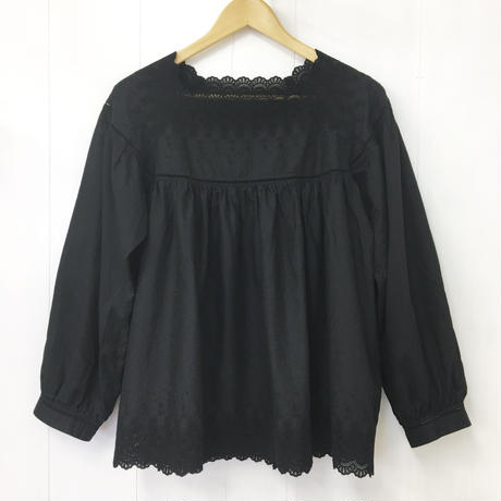 square neck blouse / 03-9208008