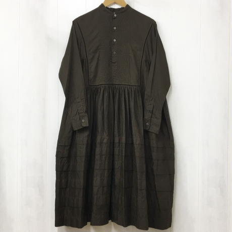 Band Collar Pintuck Gathered Dress / Dark Brown