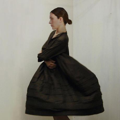 Band Collar Pintuck Gathered Dress / Dark Brown