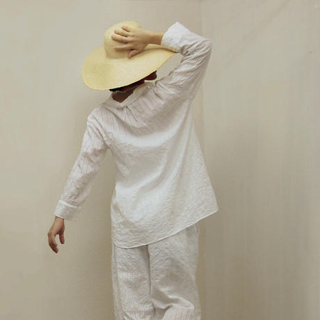 Striped Embroidery Pullover / Off White