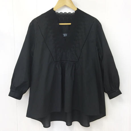 V-neck Gathered Top  / Black