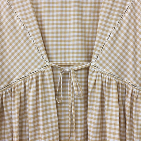 Boat Neck Dress / Beige × White