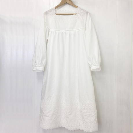 square neck gathered dress / 03-9105002