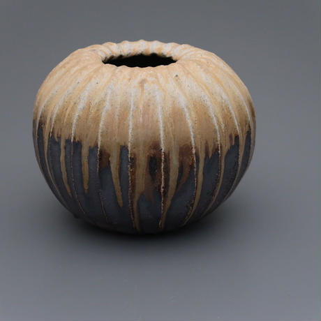 No.2:YOHEN Natural Ash Glaze Vase「窯変灰被鎬花器」