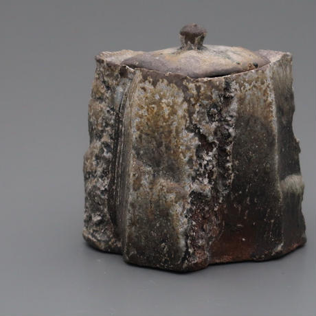 No.20:YOHEN Natural Ash Glaze TOUKAISEKI Water container「窯変灰被陶塊石水指」