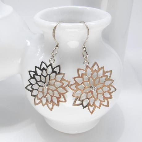 flower-lace pierce | 菊