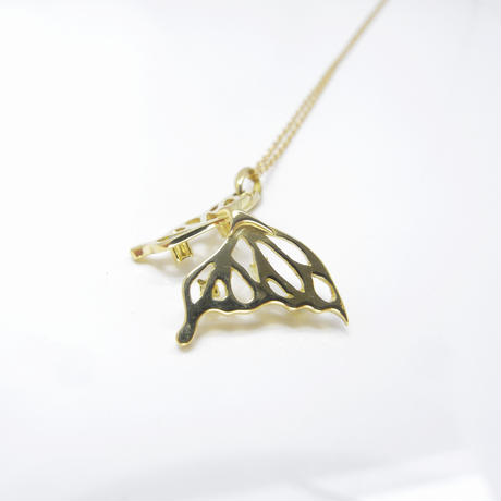 shiny butterfly!! necklace