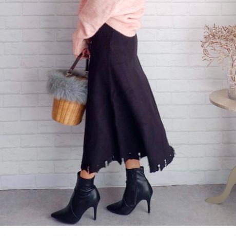 裾フリンジニットフレアスカート