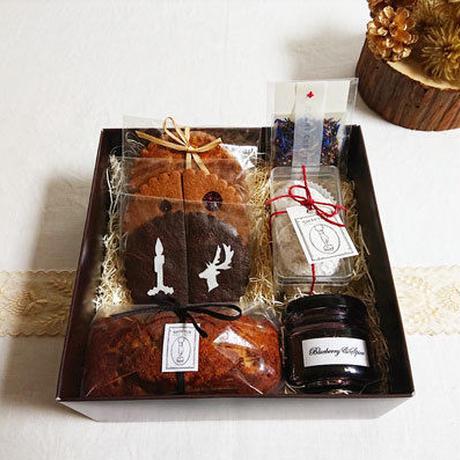 【数量限定】クリスマススウィーツ+ラムレーズンケーキ × ティーセット