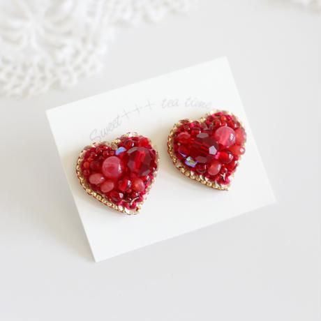 「HEART(赤色)」ピアス