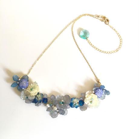 ポアプランツ、紫陽花、イモーテルのたっぷりネックレス