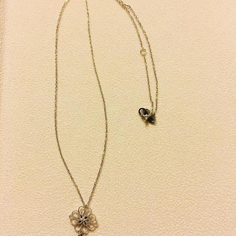ブラックダイヤモンド・18WG オリエンタルペンダント
