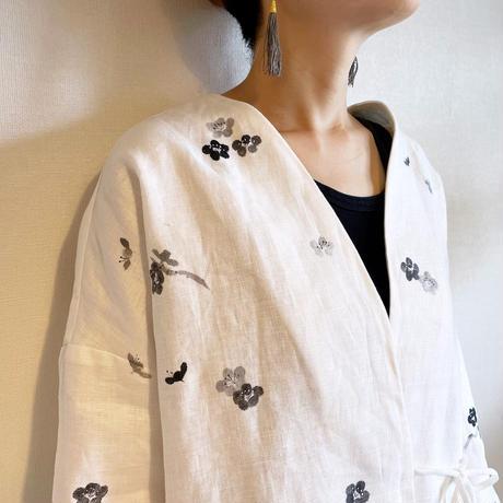 袷のショートジャケット白 墨梅