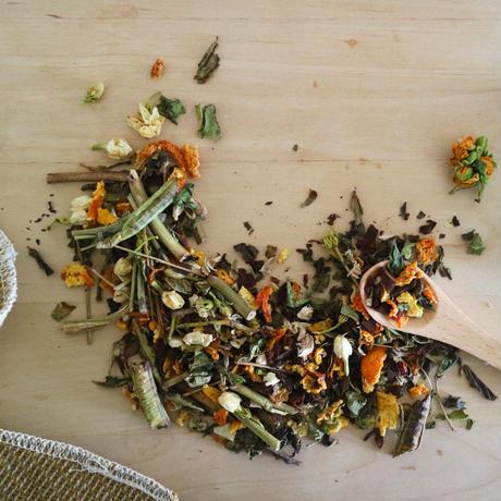 【母の日】リバーシブルてぬぐいと伝統茶(リーフ20g)のギフトセット
