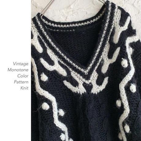 Vintage Monotone Designニット