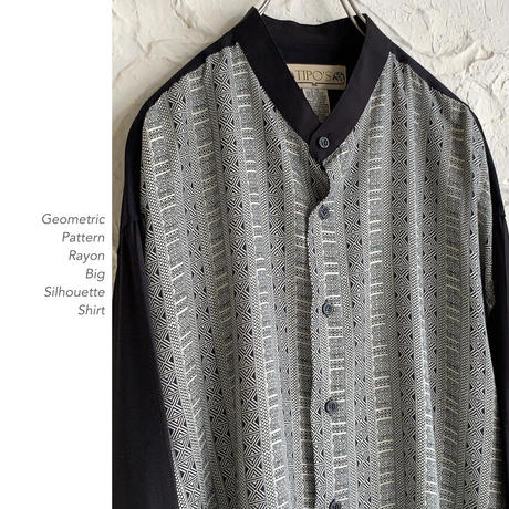 Geometric Patternレーヨンシャツ