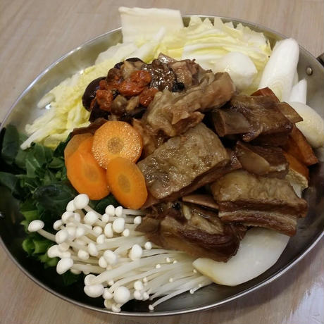 薬膳麻辣羊肉鍋の素(羊肉入り)・2~3人前