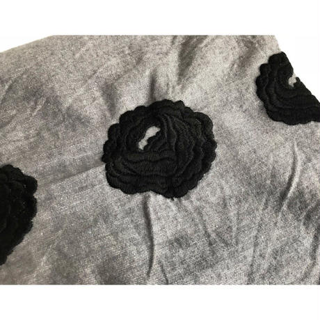 Antique Rose Embroidery stole [color/gray×black]