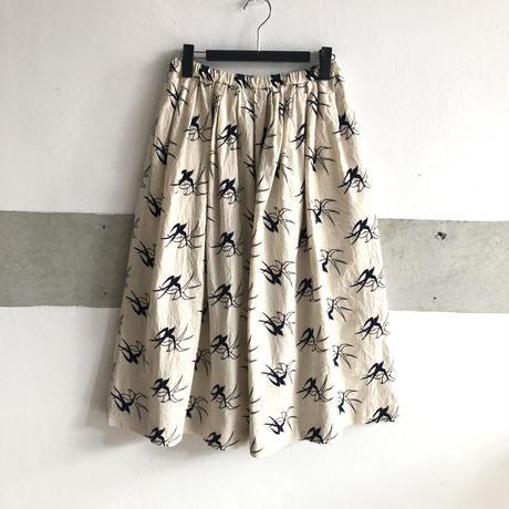 【1点もの】エンブロイダリースカート〔Swallowツバメ〕