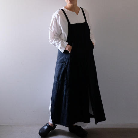 センタースリットエプロン/墨黒・パーカーポッケ